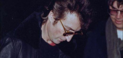 John Lennon Mark David Chapman autograph signing