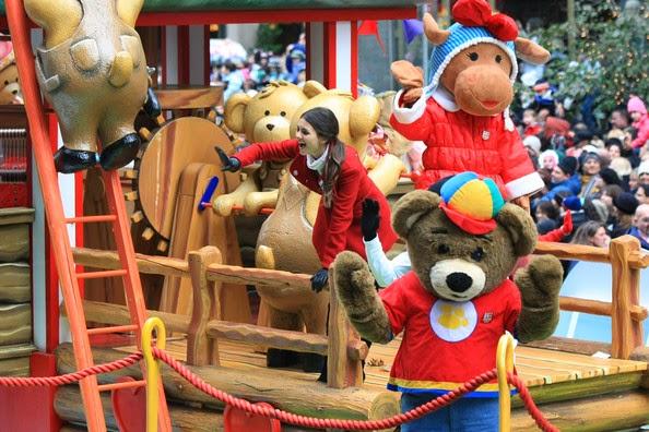 Victoria Justice Macys Day Parade