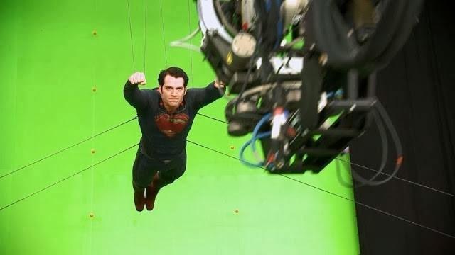 Man of Steel Cavill behind the scenes