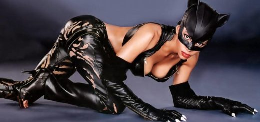 Halle Berry Catwoman sexy costume