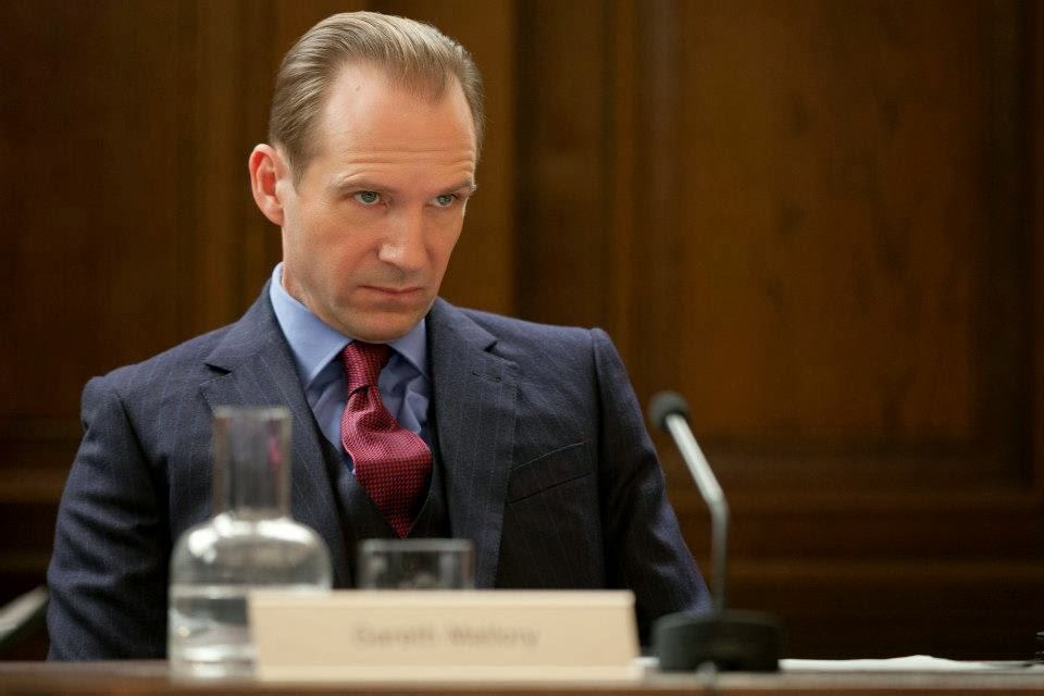 Ralph Fiennes Skyfall M James Bond