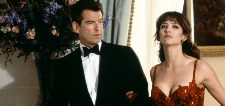 World Is Not Enough James Bond Pierce Brosnan