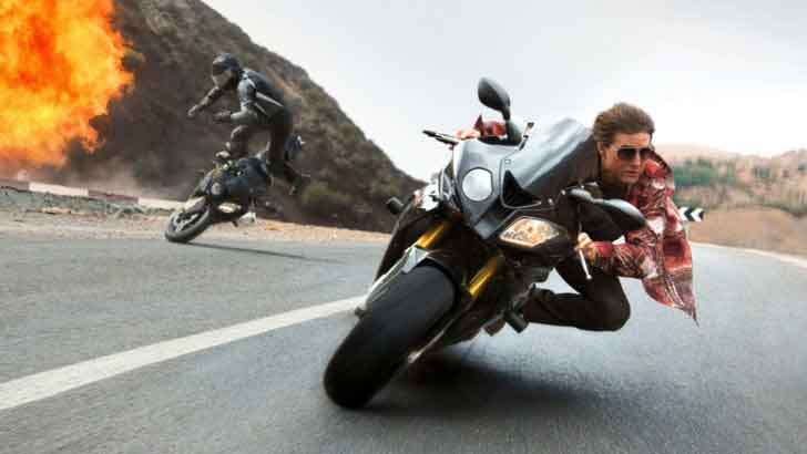 Tom-Cruise-Mission-Impossible-Rogue-Nation-2015-stunt