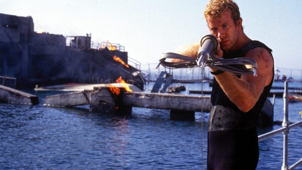 Deep Blue Sea 1999 shark movie Thomas Jane