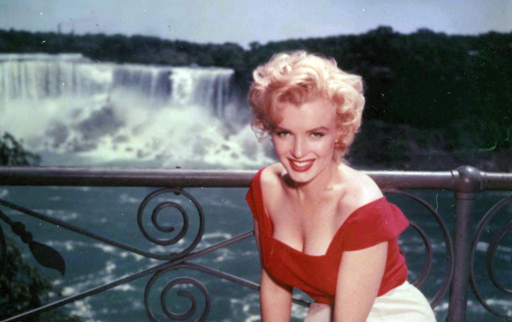 Marilyn Monroe Niagara Falls 1953 hot sexy beautiful classic