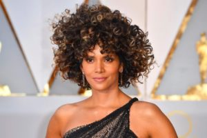 Halle Berry Oscars 2017 hairstyle