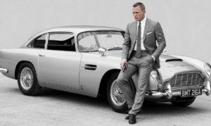 Daniel Craig James Bond Aston Martin DB5 car