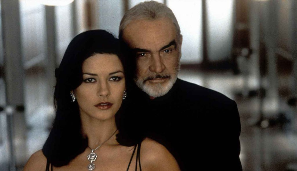 Catherine-Zeta-Jones-Sean-Connery-Entrapment-1999