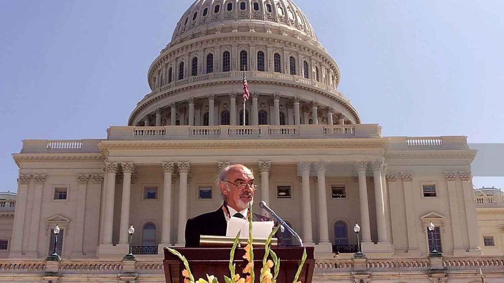 Sean-Connery-speaking-Washington-DC-US-Capitol-2001
