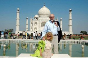 Sean-Connery-wife-Micheline-India-Taj-Mahal-Valentines-Day-2007