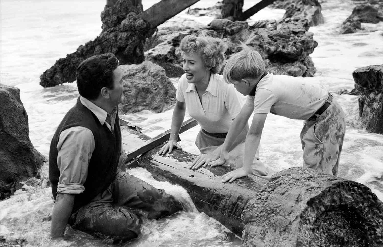 Barbara-Stanwyck-Barry-Sullivan-Jeopardy-1953-film-noir-thriller
