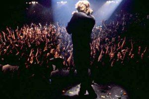 The-Doors-1991-concert-scene-Val-Kilmer-Jim-Morrison