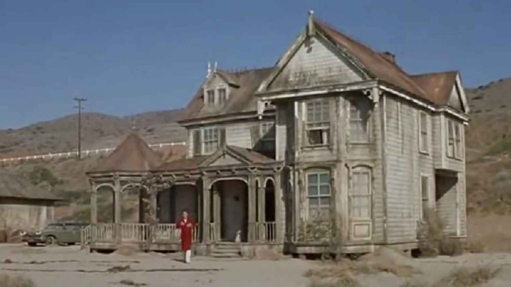 Mr-Hobbs-Takes-Vacation-1962-Jame-Stewart-beach-comedy-location-house